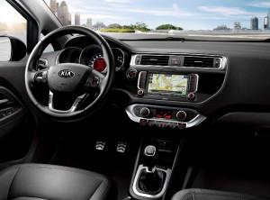 Kia Rio - GPS navigace a parkovací kamera