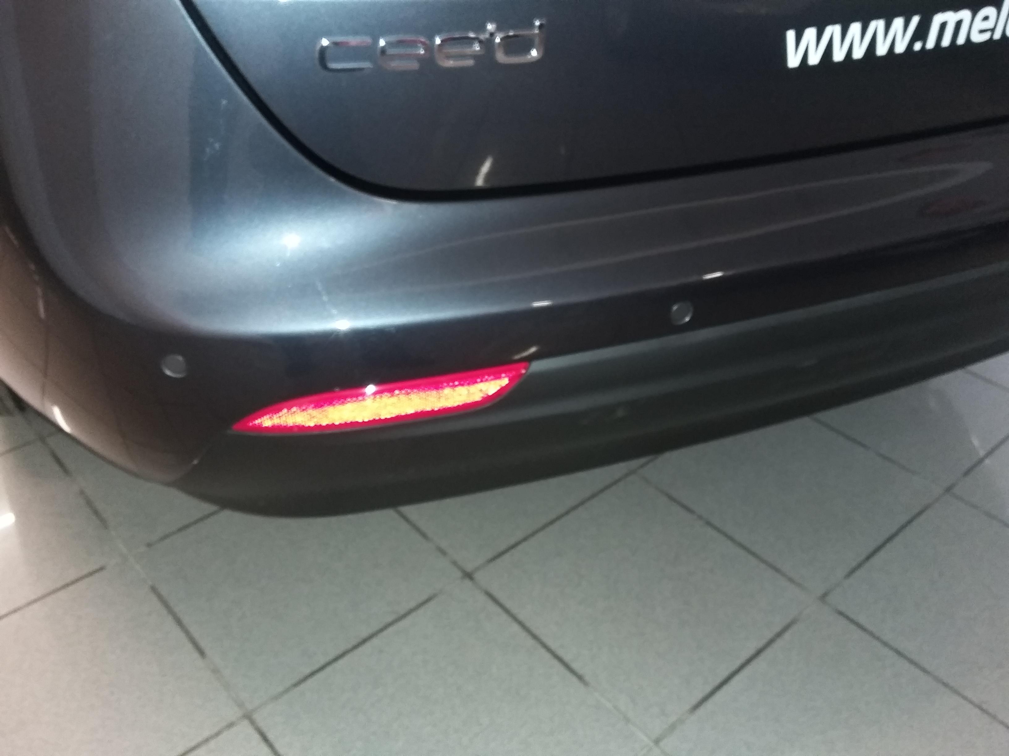Kia Cee'd JD SW 1,6 CRDi Comfort plus – zadní parkovací senzory