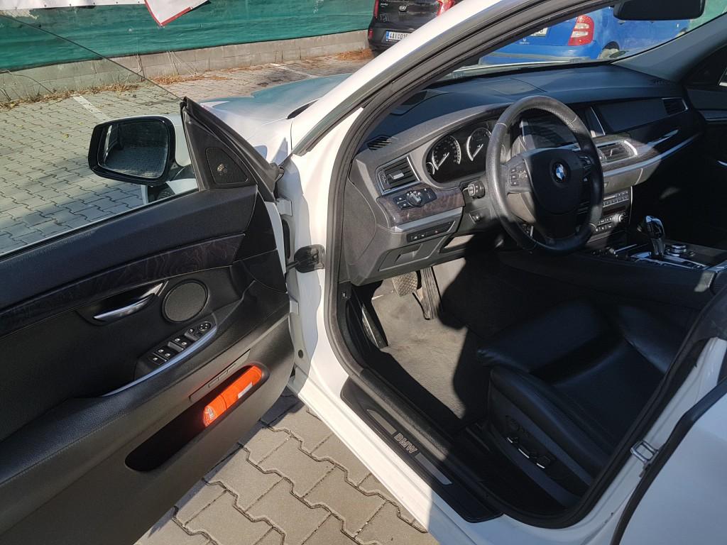 BMW GT 535d xDrive – elektricky nastavitelné sedačky