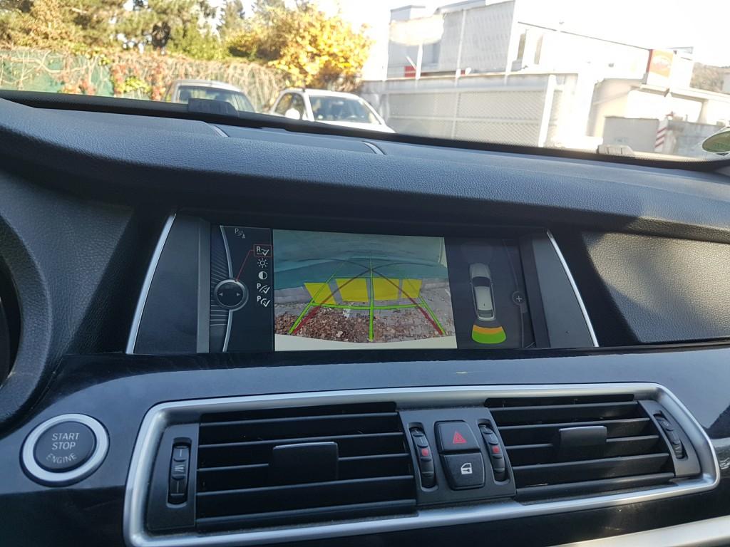 BMW GT 535d xDrive – kamerový a grafický asistent parkování