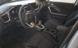 ergonomicky navýsost zdařilý k řidiči směrovaný interiér