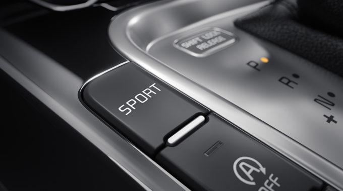 Kia ceed nabízí pro automatickou převodovku 7DCT sportovní režim přinášející pohotové reakce na plynový pedál