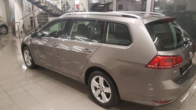 VW Golf Variant 1,6TDI 81kW Highline Parkpilot (1)