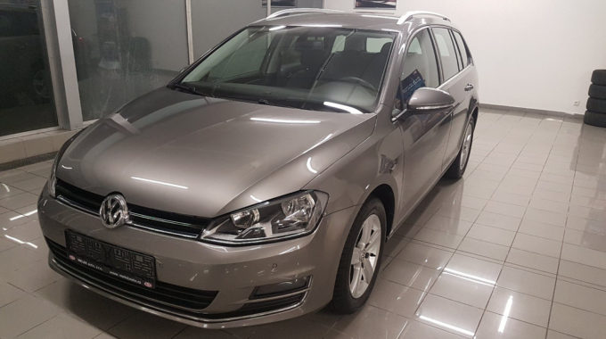 VW Golf Variant 1,6TDI 81kW Highline Parkpilot (2)